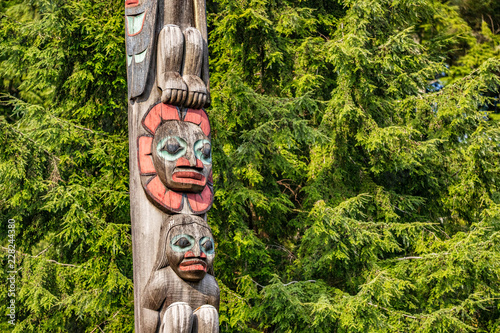 Keuken foto achterwand Verenigde Staten Alaska totem pole in Ketchikan, Alaska. Cruise travel destination vacation. Wood carving, traditional art.