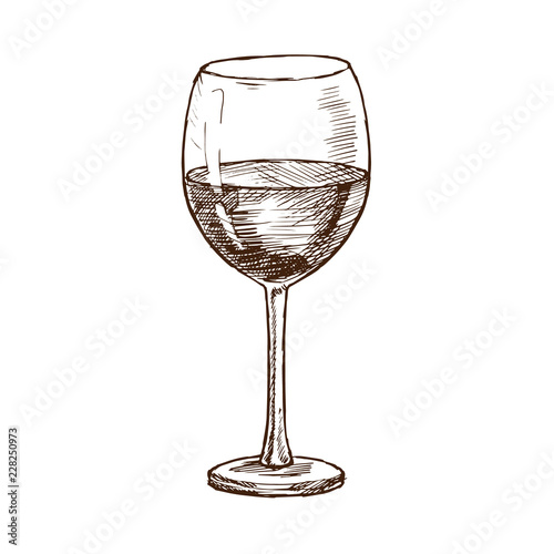 Fotografía  Alcoholic beverage is traditional cold red wine in glass fouger.
