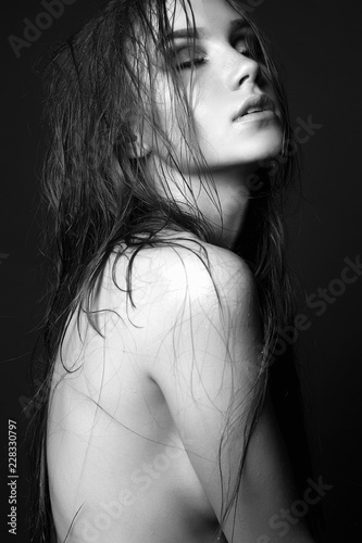 Tuinposter Akt Young woman. Naked Beautiful Girl with wet hair