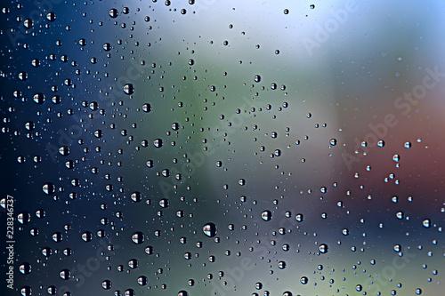 Naklejka na okno łazienkowe Krople deszczu na szybie