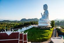Guan Yin Statue In Hyuaplakang Temple