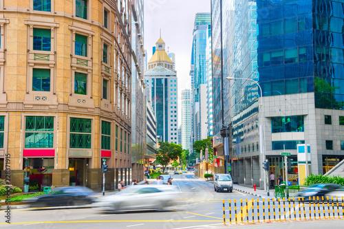 Naklejka premium Ulica biznesowego centrum Singapuru