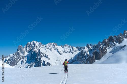 Fotografie, Obraz  Skier in the Vallée Blanche, Chamonix, France.