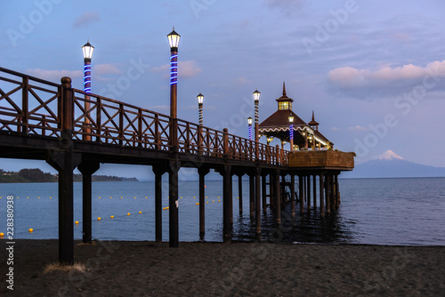 Keuken foto achterwand Historisch geb. Pier at Llanquihue lake, Frutillar, Chile