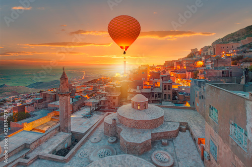 Staande foto Midden Oosten Mardin old town with bright blue sky - Mardin, Turkey