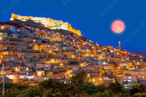 Poster Moyen-Orient Mardin old town with bright blue sky - Mardin, Turkey