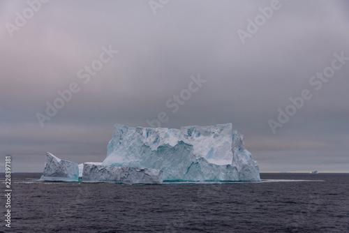 Foto op Aluminium Antarctica Iceberg in Antarctic sea
