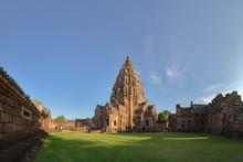 Buriram,Thailand-October 6,2018 : Tourists Visit The Prasat Hin Phanom Rung,Prasat Phanom Rung Historical Park Ancient Khmer Temple