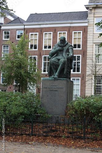 Fotografia  Monument Johan van Oldenbarnevelt in Hague - the Netherlands