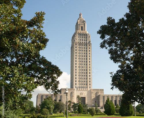 Fototapeta Blue Skies at the State Capital Building Baton Rouge Louisiana
