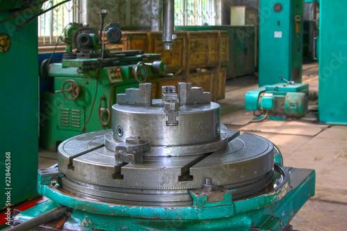 Deurstickers Kinderkamer machine tools and die in a workshop