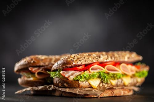 Staande foto Snack Classic BLT sandwiches