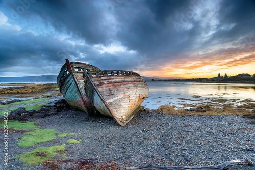 Obraz na plátně Stormy Sunrise at Salen on the Isle of Mull