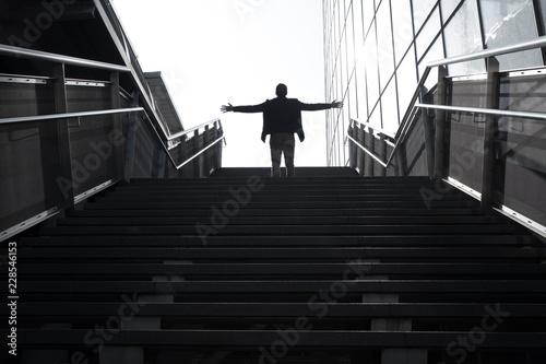 Fototapeta avenir silhouette homme marche escalier avancer perspective demain travailler pr