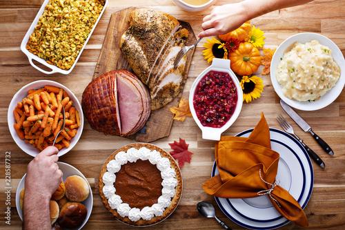 Fotobehang Klaar gerecht Thanksgiving table with turkey and sides