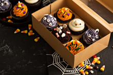 Halloween Cupcakes With Decora...
