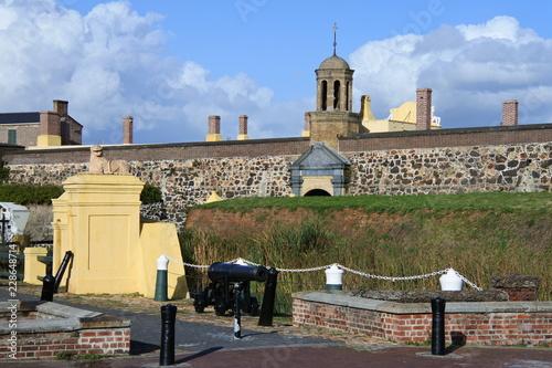 Fototapeta  Kanonen vor der Burg der guten Hoffnung in Kapstadt