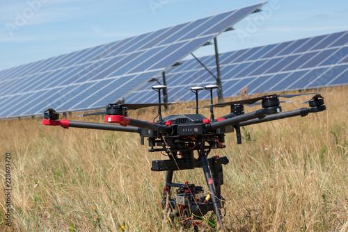 Obraz Thermografie Solarinspektion mit Drohne - fototapety do salonu