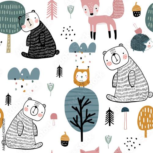 semless-lesny-wzor-z-slodkim-niedzwiedziem-jezem-sowa-lisem-i-recznie-rysowane-elementy-dziecinna-tekstura-w-stylu-skandynawskim
