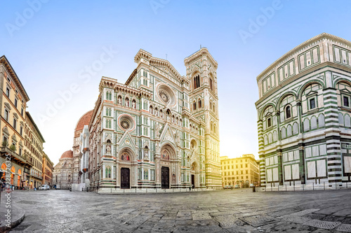 Ingelijste posters Florence Florence on surise. View of Cathedral of Santa Maria del Fiore, Italy