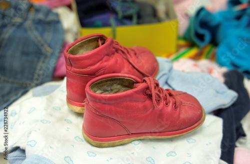 the best attitude e6221 1efc8 Gebrauchte rote Schuhe für Kleinkinder in einem Second Hand ...