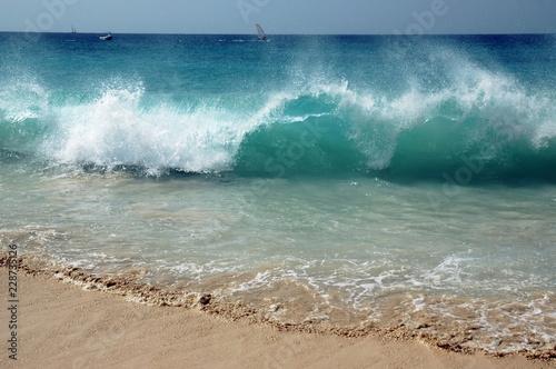 Fotografie, Obraz  Vague en bord de mer, île de Sal, le Cap Vert, Afrique de l'ouest
