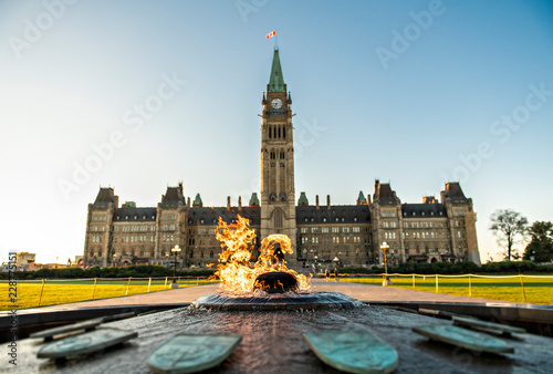 Carta da parati  Center Block and the Peace Tower in Parliament Hill at Ottawa in Canada