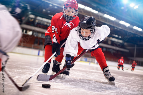 ice hockey sport kids players.