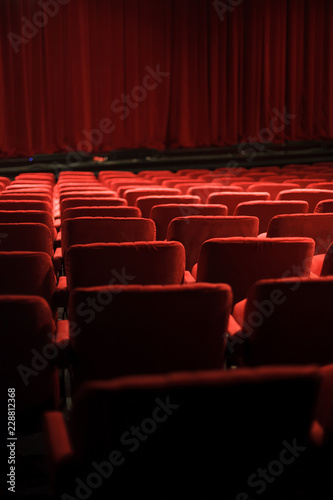 Photo sur Aluminium Opera, Theatre red seats at the theater