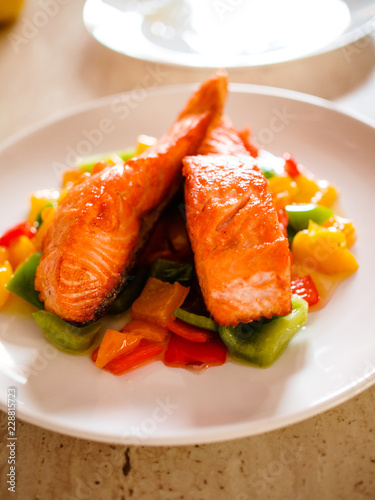 Grilled salmon and pepper