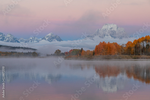 Fotobehang Natuur Scenic Teton autumn Sunrise Reflection