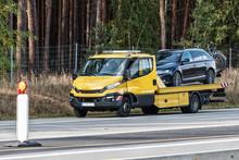Abschleppwagen Auf Der Deutsch...