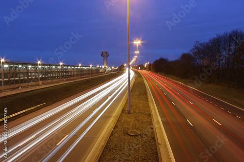Deurstickers Nacht snelweg traffic lights at night on highway