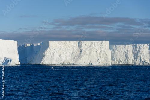 Staande foto Antarctica Antarctic seascape with iceberg
