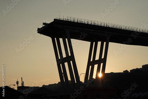 In de dag Brug morandi collapsed bridge in genoa