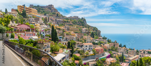 Poster Bleu Scenic sight in Taormina, famous beautiful city in the Province of Messina, Sicily, southern Italy.