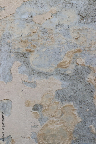 Foto auf AluDibond Alte schmutzig texturierte wand beschädigter Außenputz an historischem Gebäude als Hintergrundbild