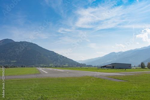 Landeplan des Flugplatz Zell am See Tablou Canvas