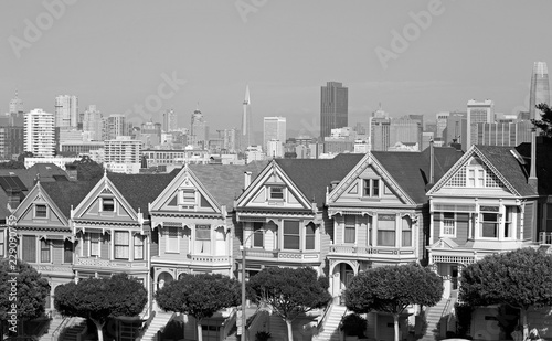 Photo  The painte sisters houses in San Francisco, black and white