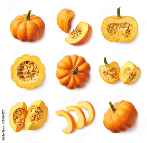 Foto Set of fresh whole and sliced pumpkin