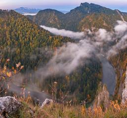 Fototapeta Mountain landscape in Pienieny mountains, autumn sunrise, Poland