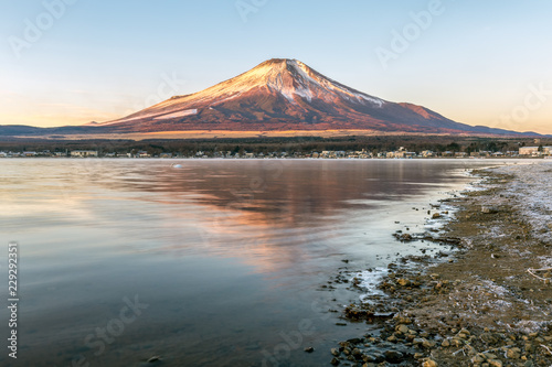 Foto auf Gartenposter Reflexion Sunrise and Mt.Fuji.Shot in the early morning.The shooting location is Lake Yamanakako, Yamanashi prefecture Japan.