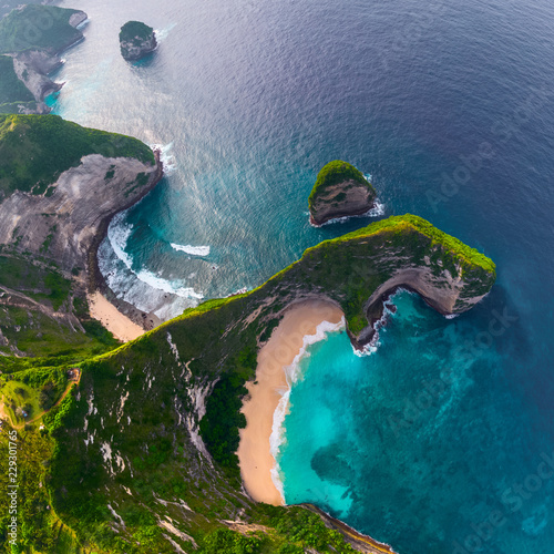 Photo Stands Bali Aerial view of the Kelingking beach located on the island of Nusa Penida, Indonesia