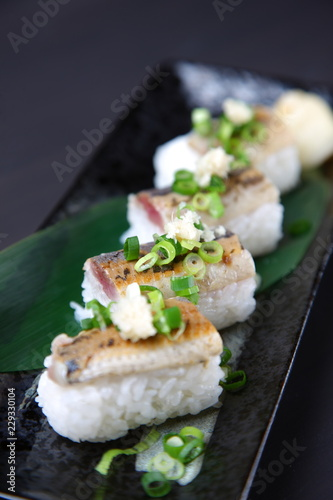 Recess Fitting Appetizer 炙り秋刀魚の寿司