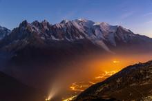 Vallée De Chamonix De Nuit