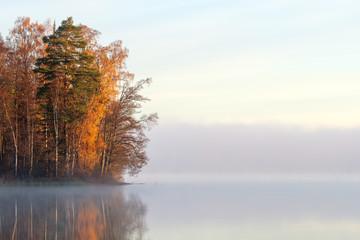 Fototapeta Do salonu Autumn sunrise by the lake