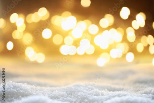 Fotobehang Zwavel geel Bokeh Hintergrund mit Schnee