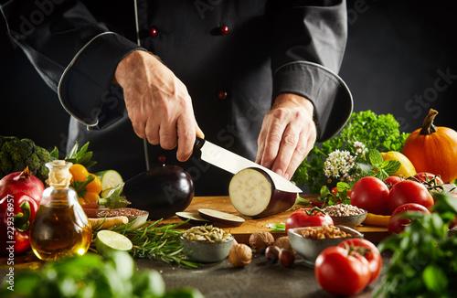Photo  Chef preparing healthy vegetarian cuisine