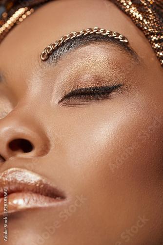 Foto op Plexiglas Beauty portrait of stylish african american woman with chain on eyebrow