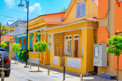 Fotografía  Typical yellow house in Puerto Plata, Dominican Republic